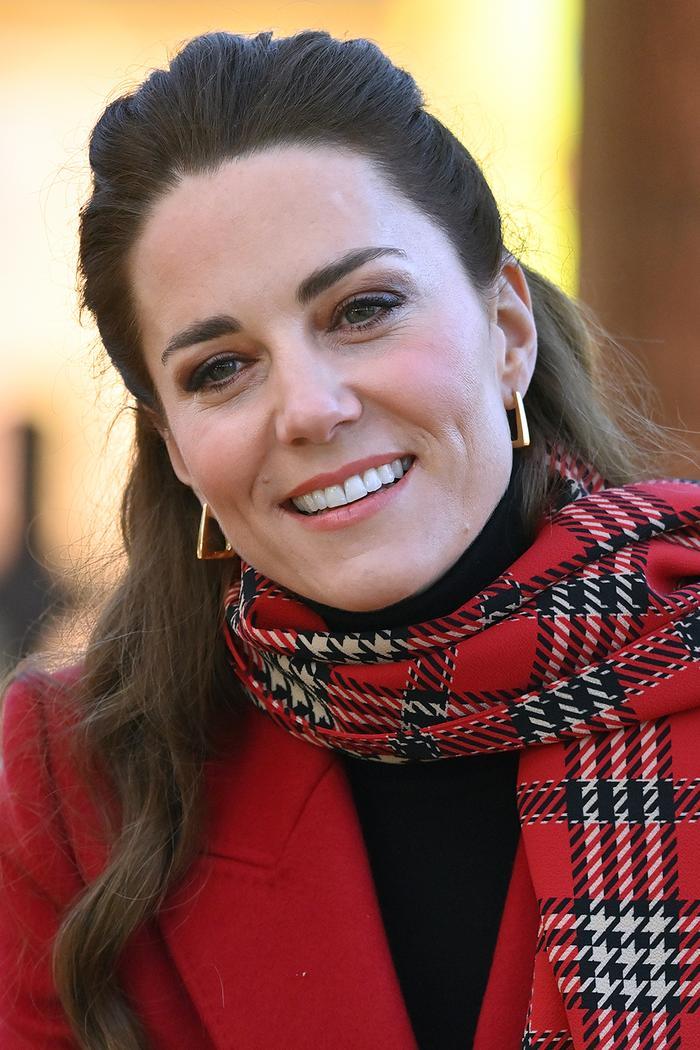 Kate Middleton affordable jewellery brands: wearing Spells of Love earrings