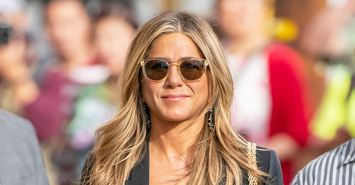 Jennifer Aniston, Lopez, and Lawrence Rely on These Basic Skinny-Jean Outfits