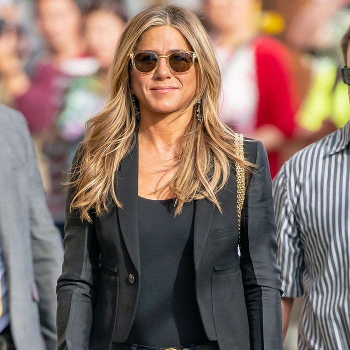 "Jennifer Aniston, Lopez, and Lawrence Rely on These ""Basic"" Skinny Jean Outfits"