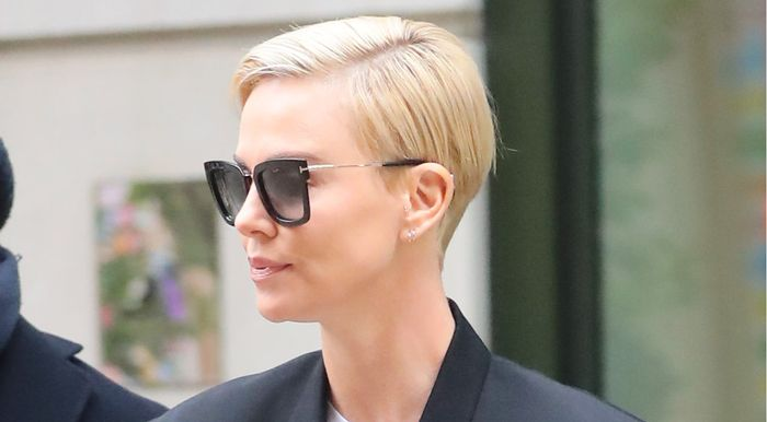 Charlize Theron Wore the Skinny Jeans With a Cult Following - WHOWHATWEAR