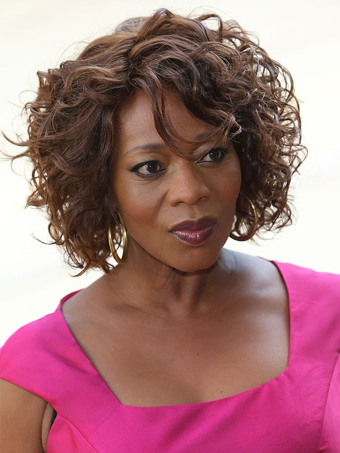 Hair Experts Reveal the Styles Women Over 50 Love - short hairstyles for older women 284848 1578997270958