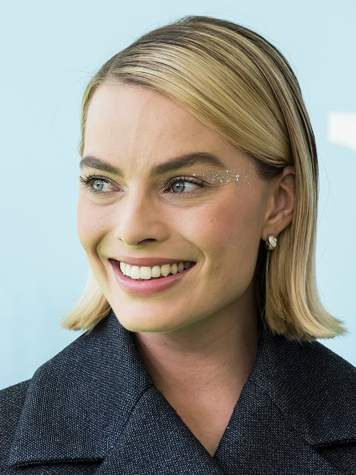 Straight Hairstyles: Margot Robbie