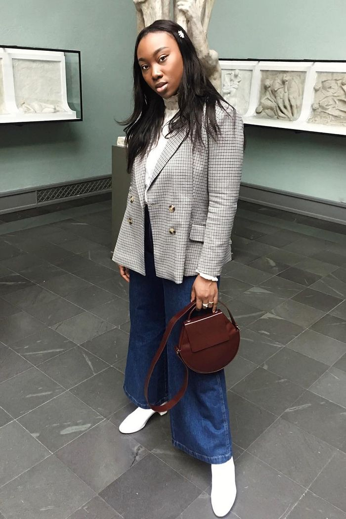 outfits with high-rise wide-leg jeans