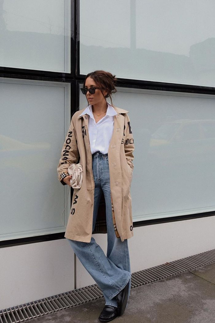how to wear high-rise wide-leg jeans