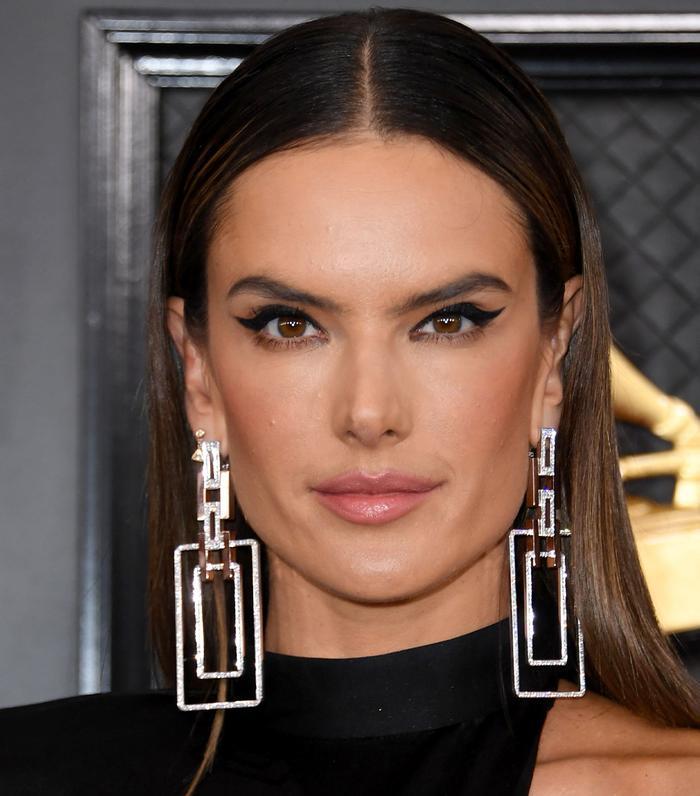 Grammy Awards 2020 Beauty: Alessandra Ambrosio