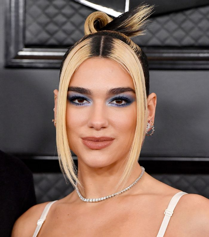 Grammy Awards 2020 Beauty: Dua Lipa