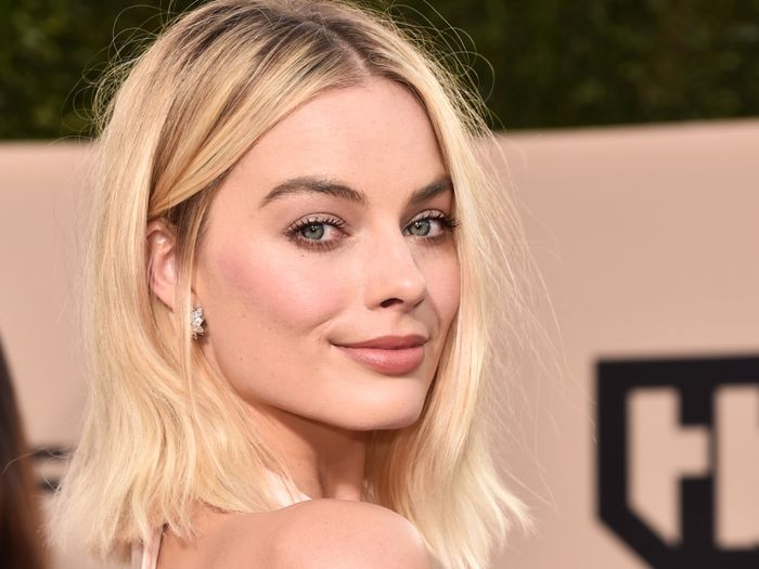Margot Robbie Just Made This High-Street Coat Look So Expensive