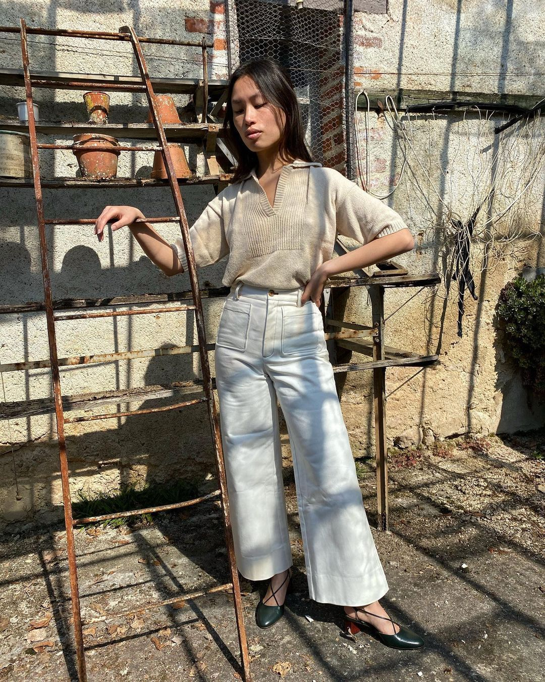 Here's How French Girls Are Wearing the Anti–Skinny Jean Trend