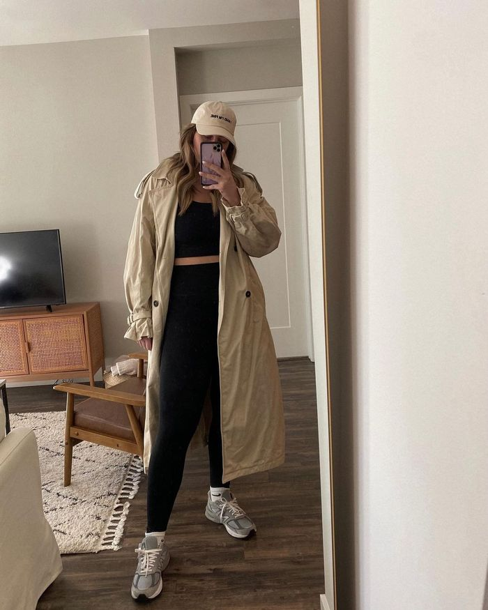 How to style a trench coat and leggings