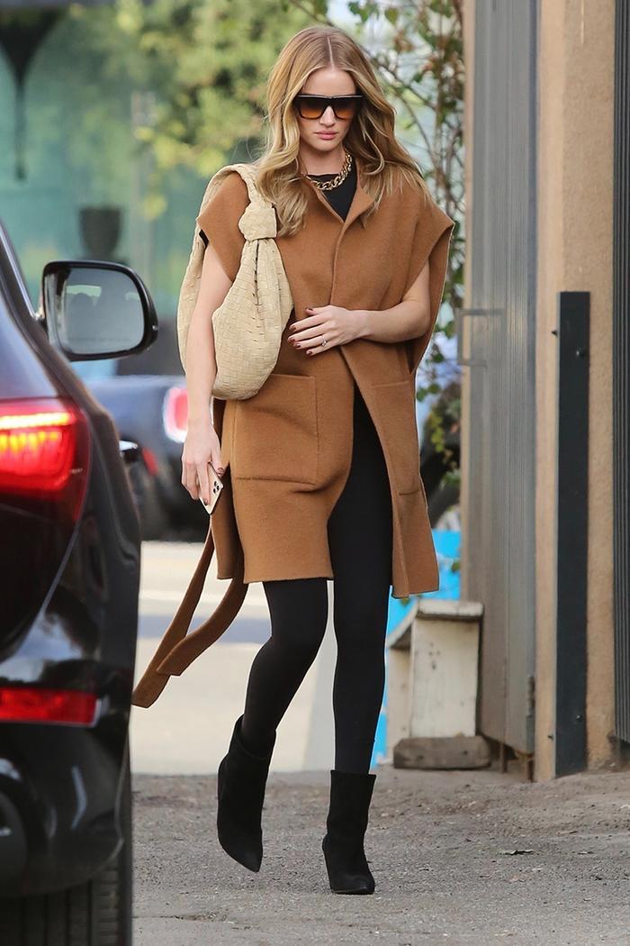 Rosie Huntington-Whiteley, leggings