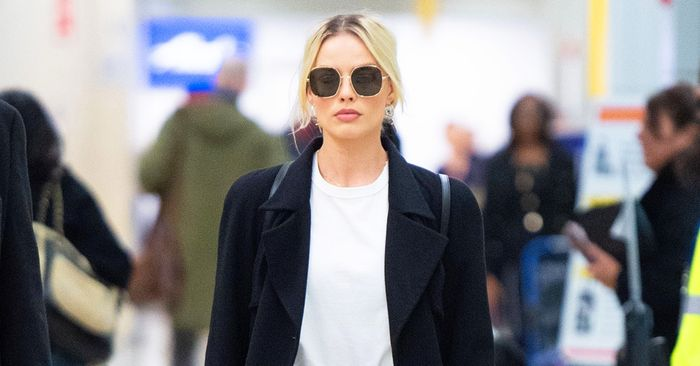 Margot Robbie Flew 7 Hours In the Jeans I'll Never Wear to the Airport Again