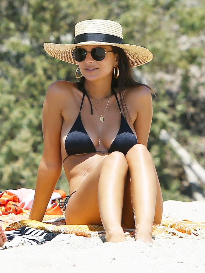 Emily Ratajkowski Wearing a Sun Hat and Bikini
