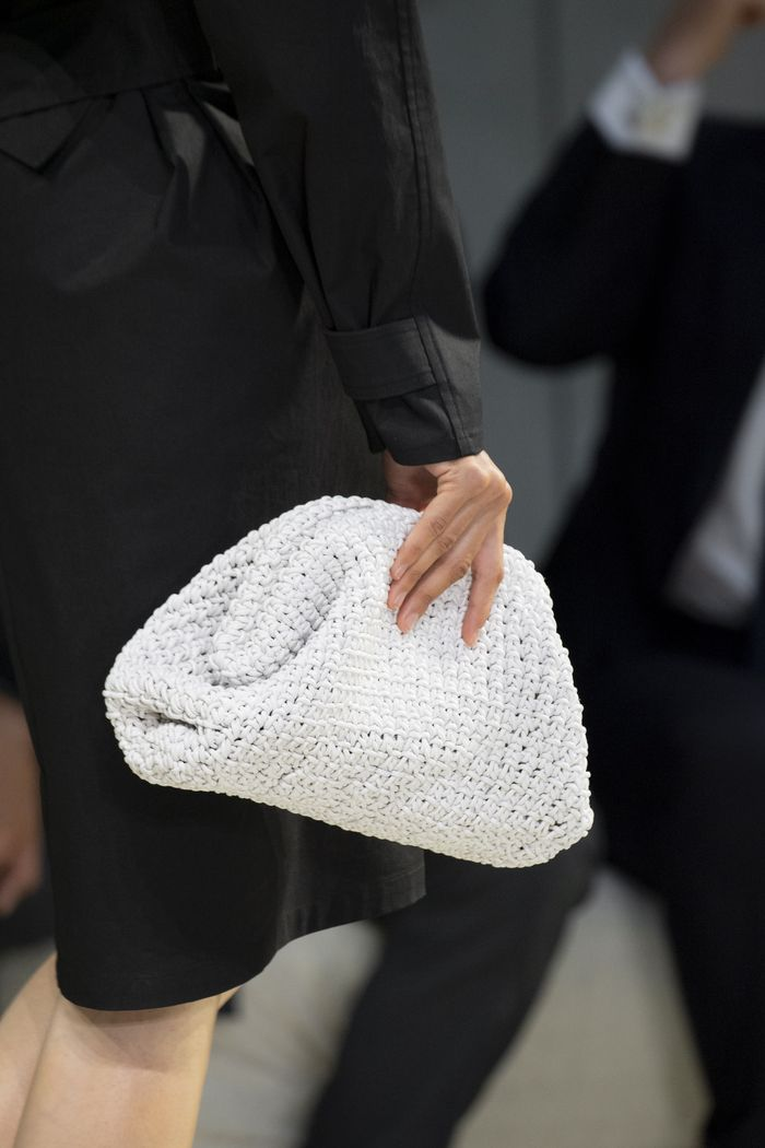 Handbag Trends 2020: Puff clutches