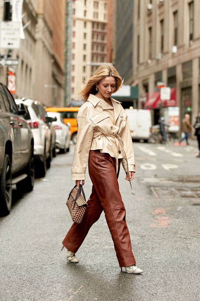 How NYC girls wear the leather trend