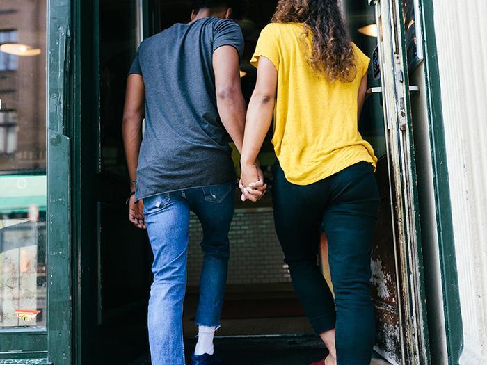 Between introvert extrovert relationship 7 Tips