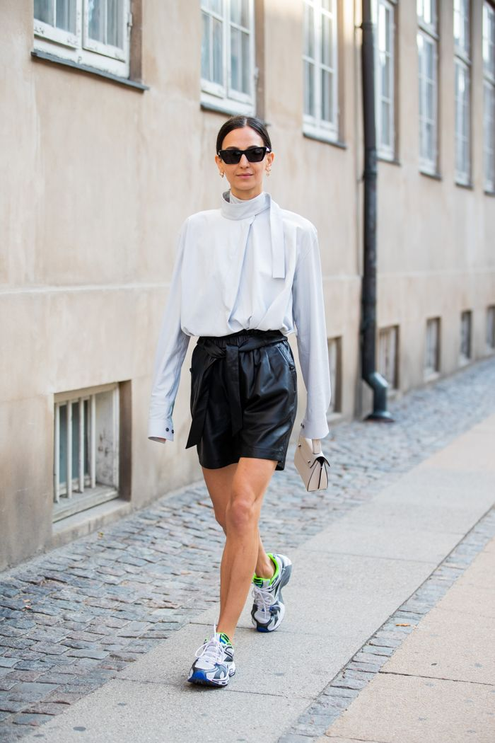 7 Sneaker Outfits to Try This Season