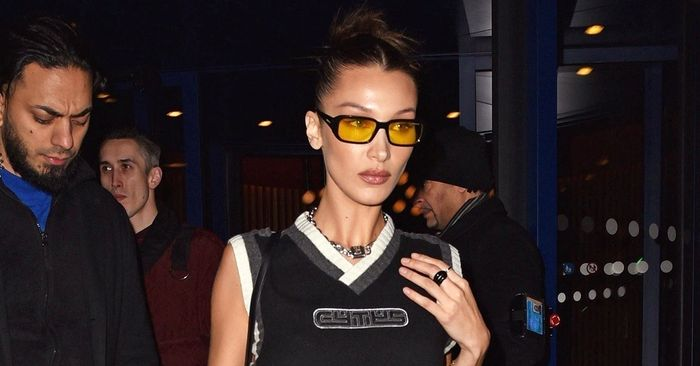 Bella Hadid's Perfect Outfit Proves That, Yes, Low-Rise Jeans Are Back