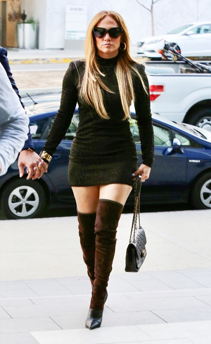 Jennifer Lopez Wears Quay Sunglasses