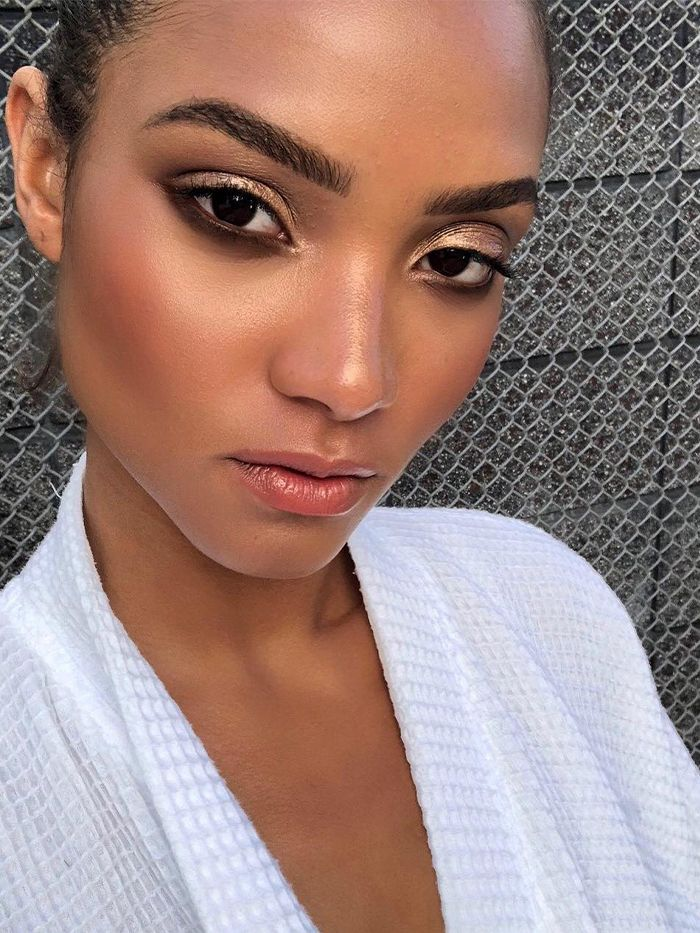 7 Easy Makeup Tips to Look Younger