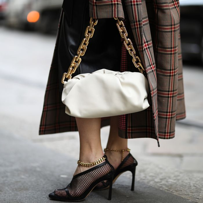 Chain Shoe Trend Street Style