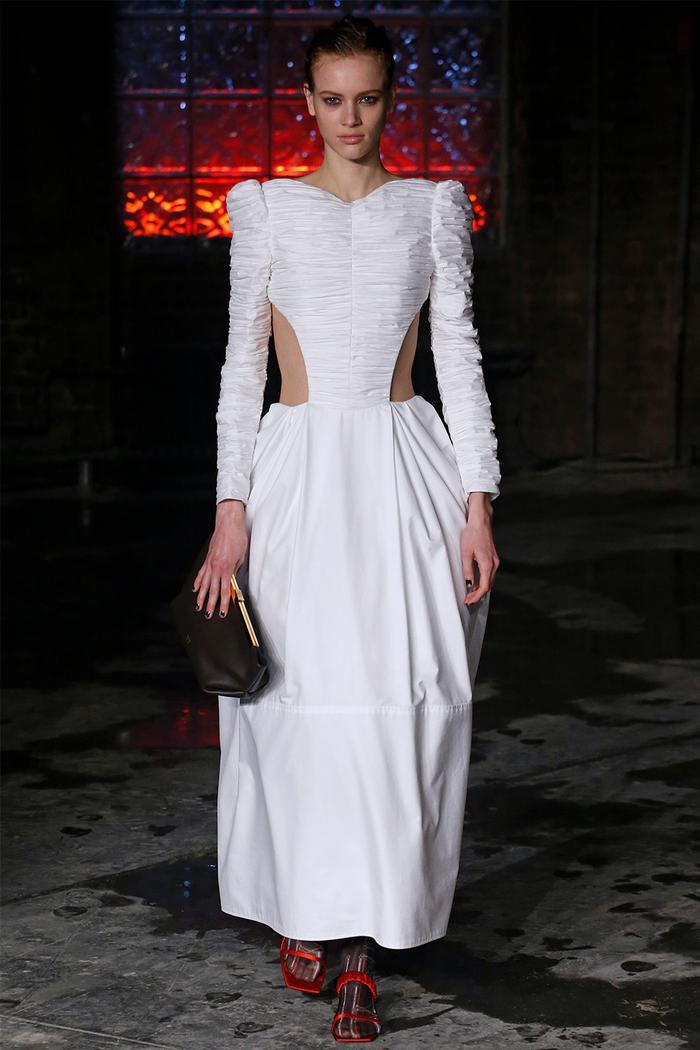 Cutout clothing trend: Khaite runway