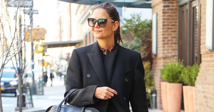 Katie Holmes wore the trend fashion people prefer with skinny jeans