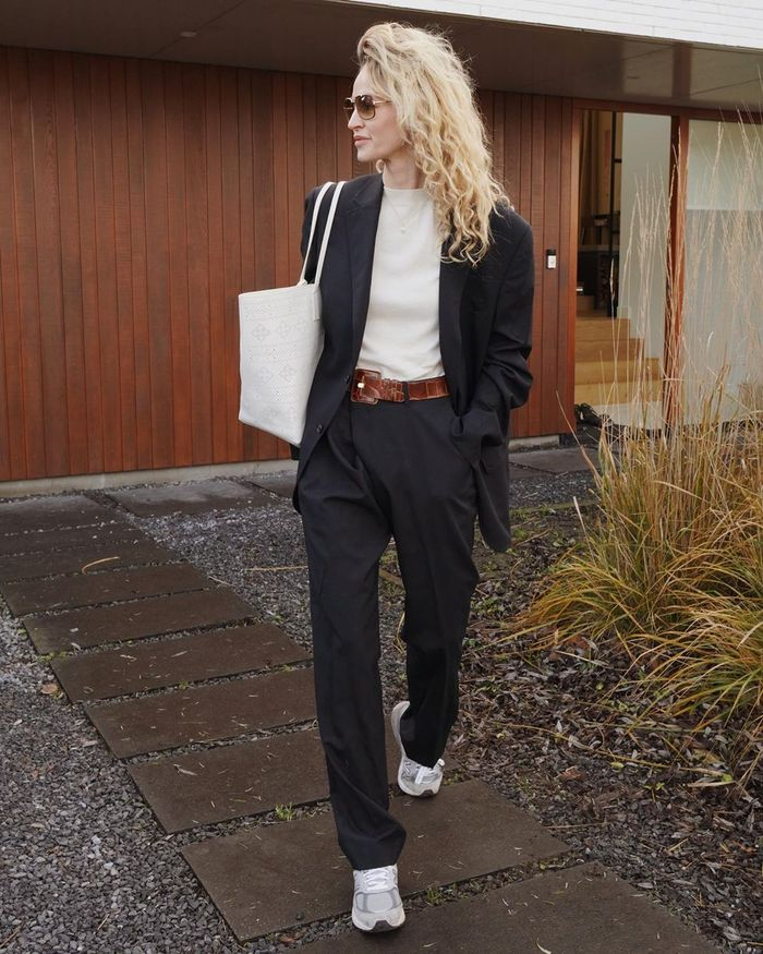Style Sneakers With Trousers