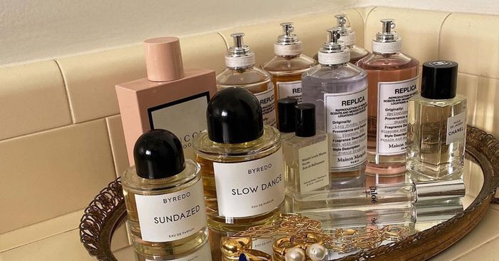 The Fragrance No One Is Wearing Anymore, According to a Master Perfumer
