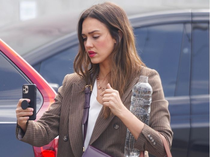 Jessica Alba Wore a Cuyana Work Tote Bag