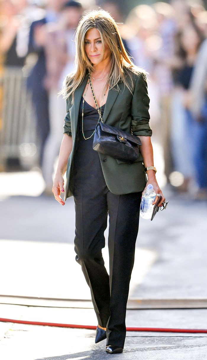 The Most Stylish Celebs Over 50 - Jennifer Anniston