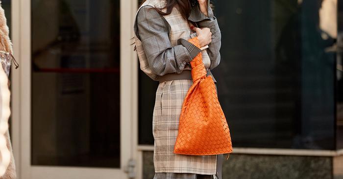 5 Trendy Handbag Colors That Are Winning Spring 2020