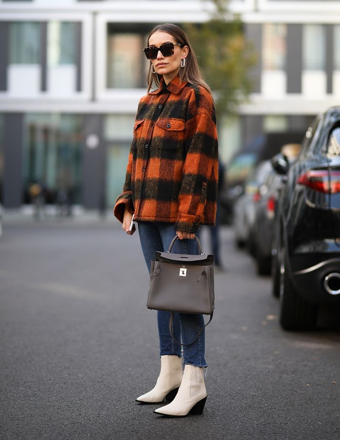 A cute skinny jean outfit with a plaid jacket