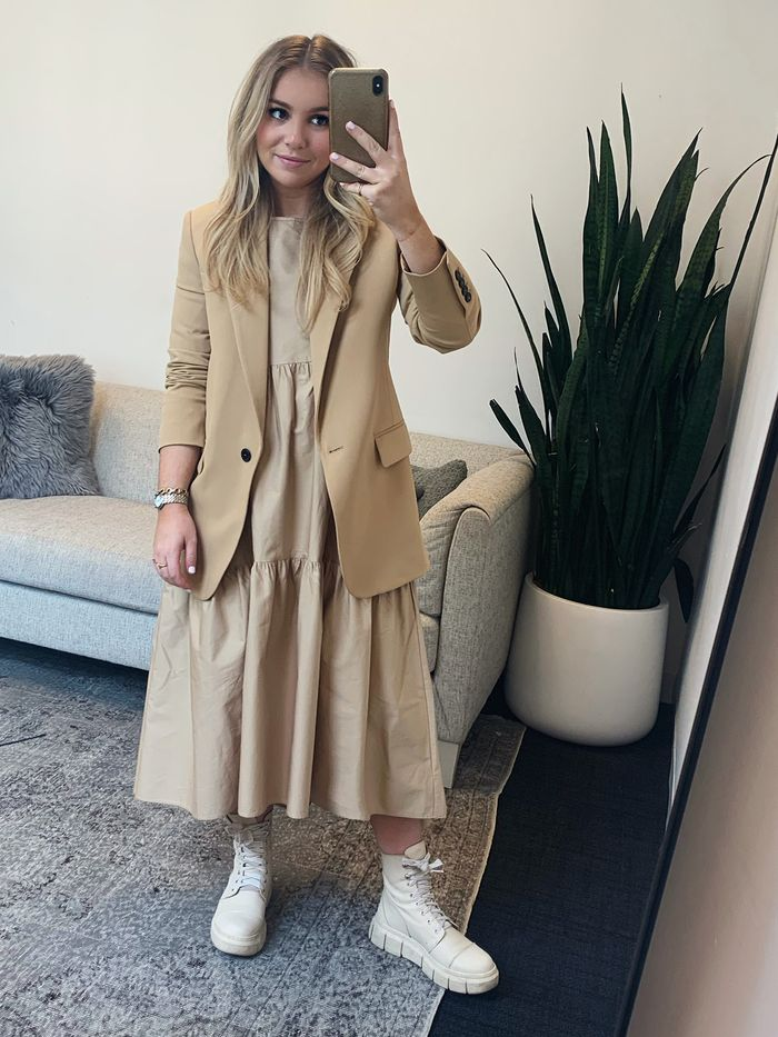 best beige outfits
