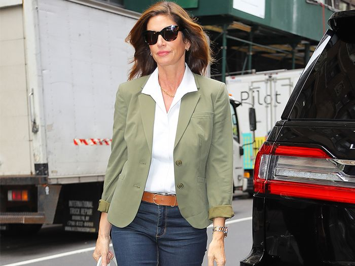 7 Fashionable Items Women Over 40 Wear With Jeans