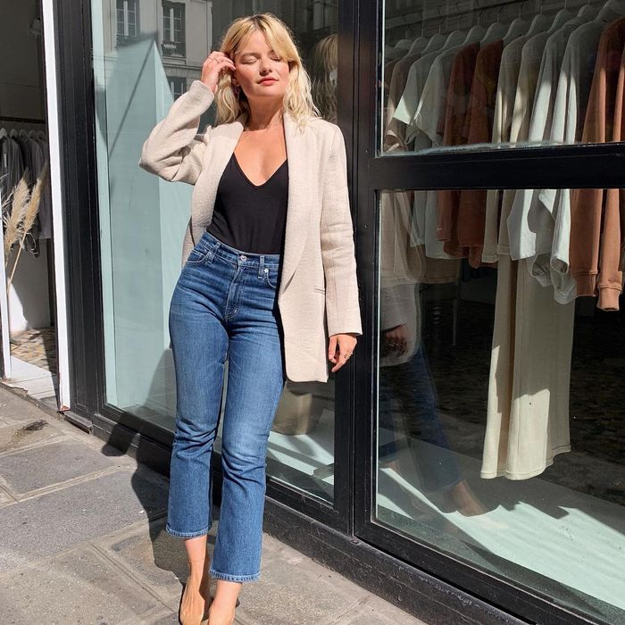 The best spring jeans outfits