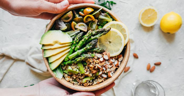 The Pros and Cons of Veganism, According to a Dietitian