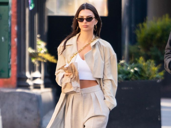 6 Celebrity Sneaker Outfits That Are Simple and Chic