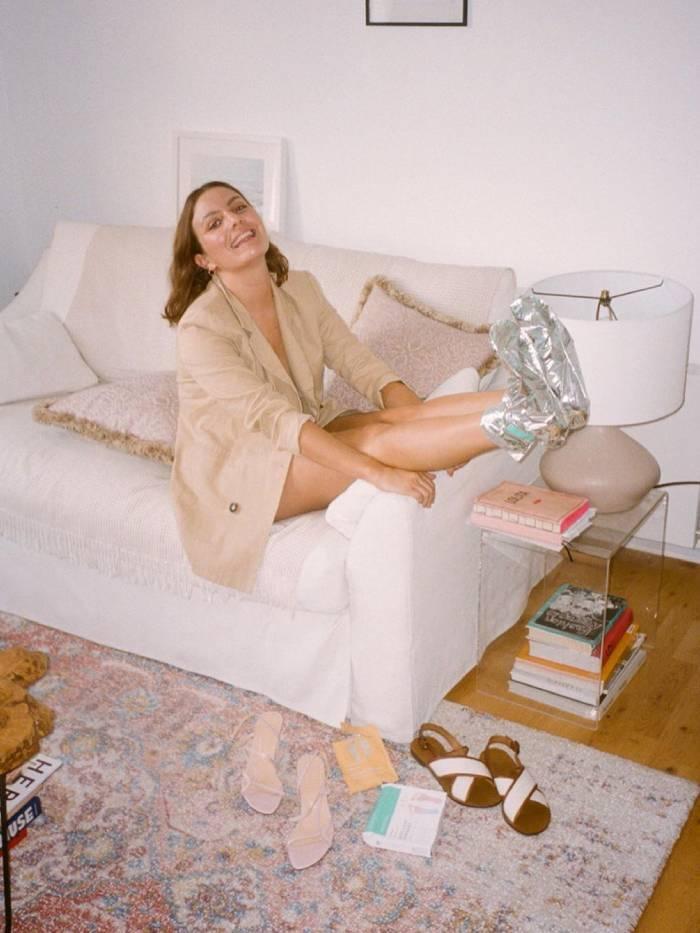 Exfoliating Foot Masks: Emma Hoareau