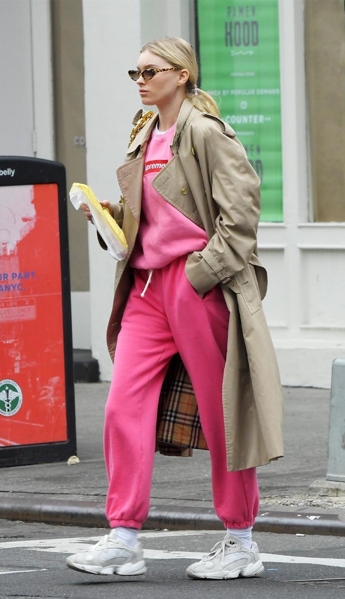 Seasonal Celebrity Style - Sweatpant Outfits - Elsa Hosk