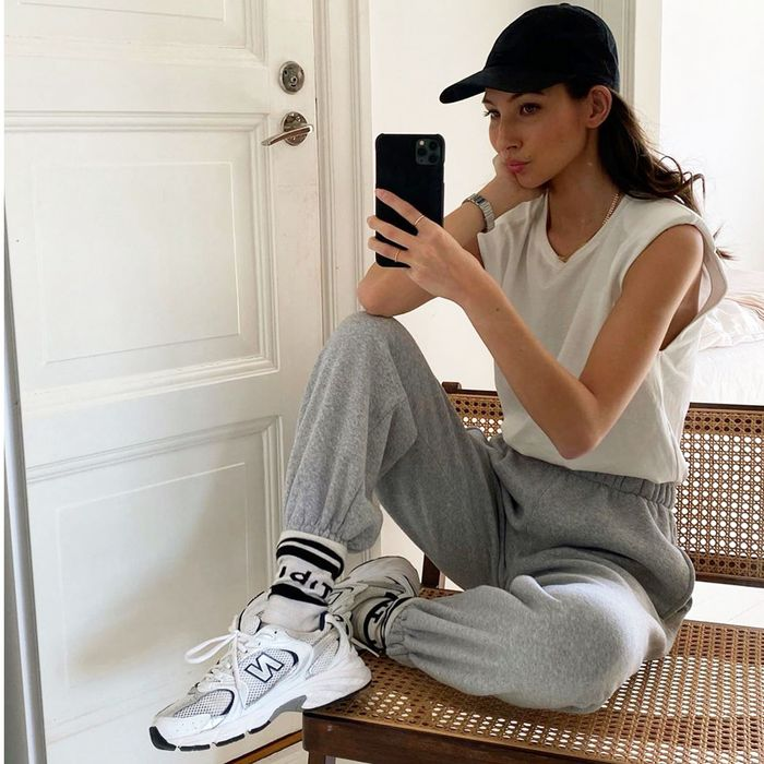 womens new balance outfits