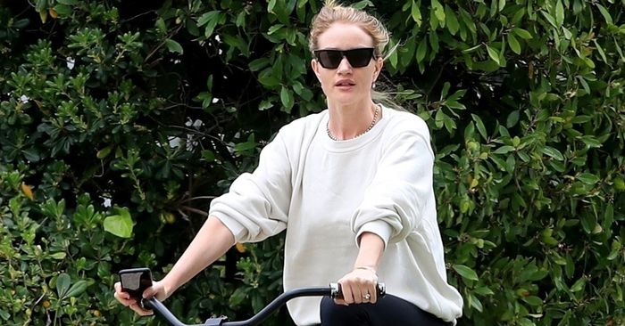 Rosie Huntington-Whiteley Wore the Old-School Sneakers That Are Back Again