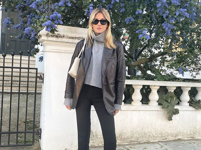 4 Everyday Items That Work Best With Skinny Jeans *and* Leggings
