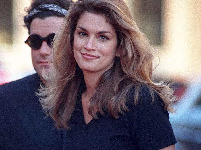 These Cindy Crawford Throwback Photos Are Giving Me So Much Outfit Inspiration
