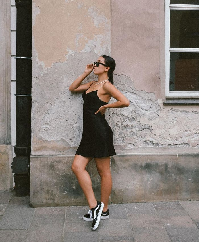 dressy outfits with sneakers