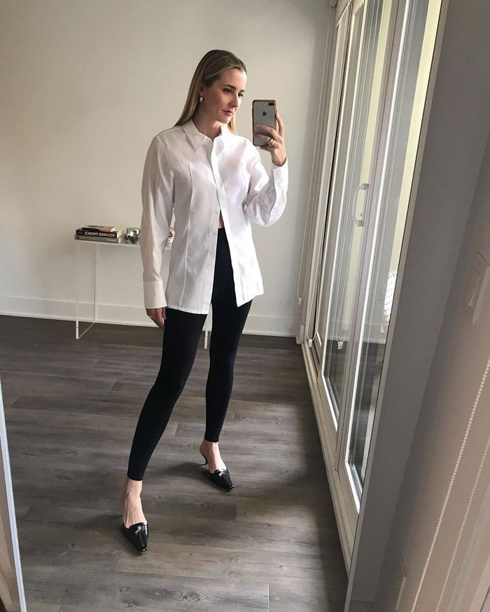 How to wear leggings with a white button-down shirt