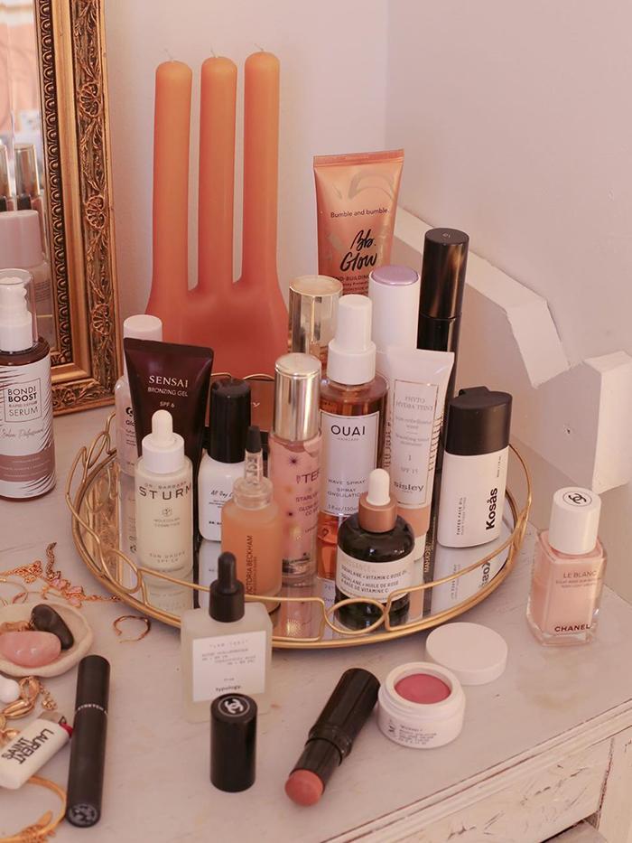 Affordable Products Makeup Artists Use: @emmahoareau