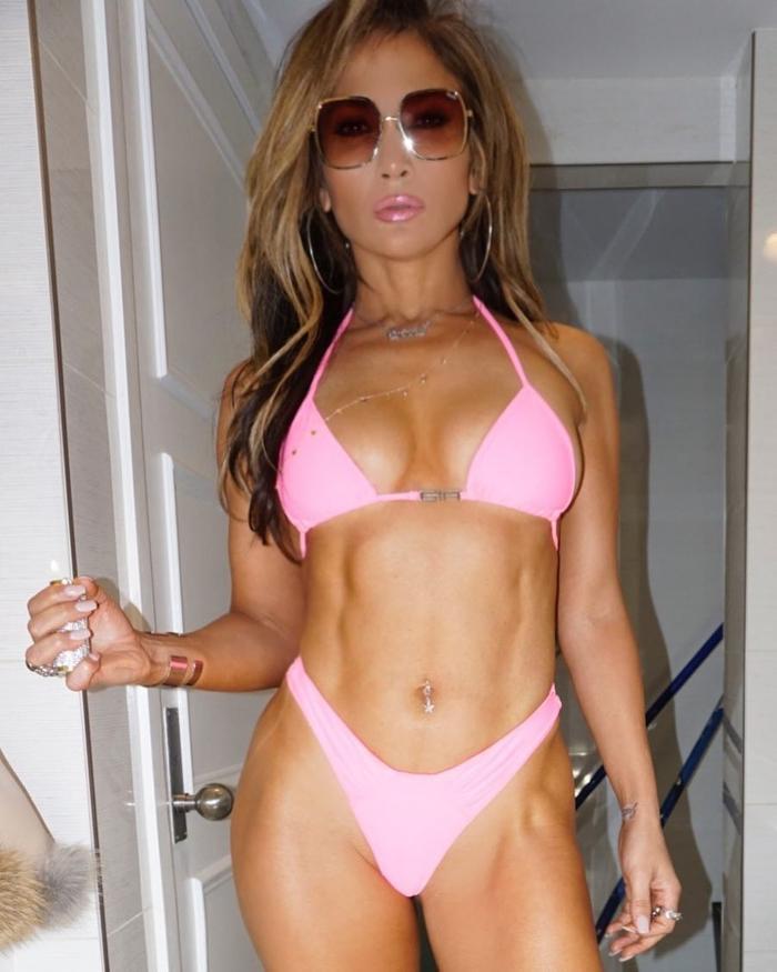 Simone Biles Just Wore the Bikini Trend Jennifer Lopez
