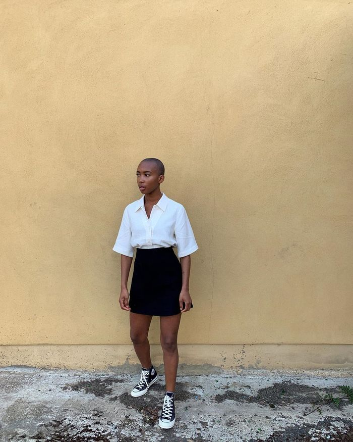 How to wear Converse sneakers with a skirt