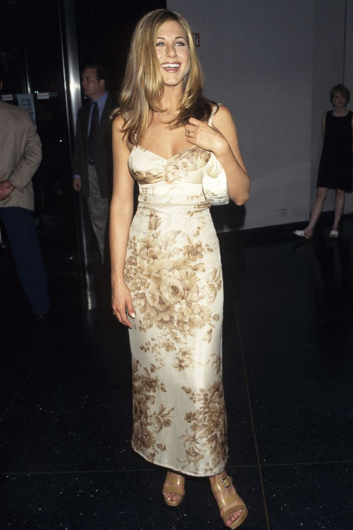 Best 90s Celebrity Outfits: Jennifer Aniston