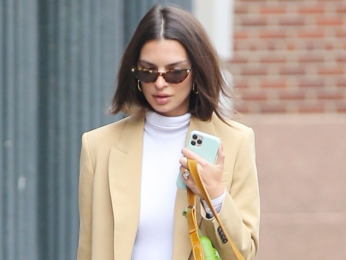 Emily Ratajkowski Brought Back the $45 Sneakers You Wore in Middle School